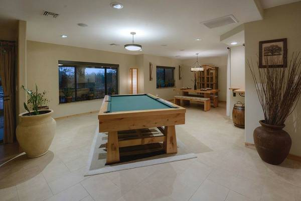 Solo Tucson Like New Custom Knotty Adler Pool Table