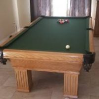 2001 Connelly Pool Table With New Felt And Cushions